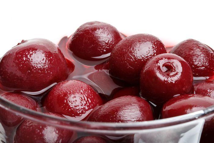 алые ягоды