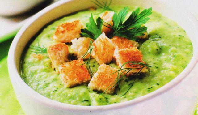 крем- суп на овощах с сухариками