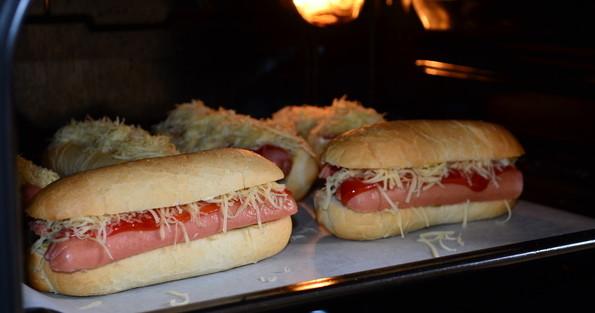 запекание хот-догов в духовке