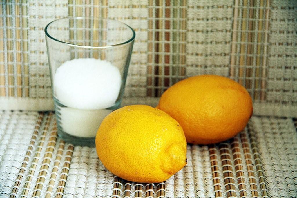 лимон и сахар для готовки напитка