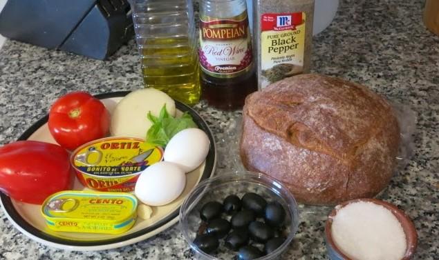некотоые ингредиенты для бутерброда