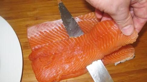 разделывание филе лосося