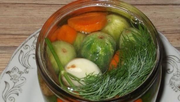огурчики с морковью и луком