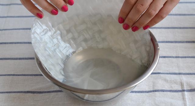 отмачивание листа в воде