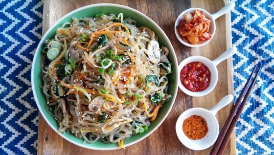 аппетитное блюдо азиатской кухни