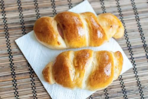 «Пирожки» с сосисками