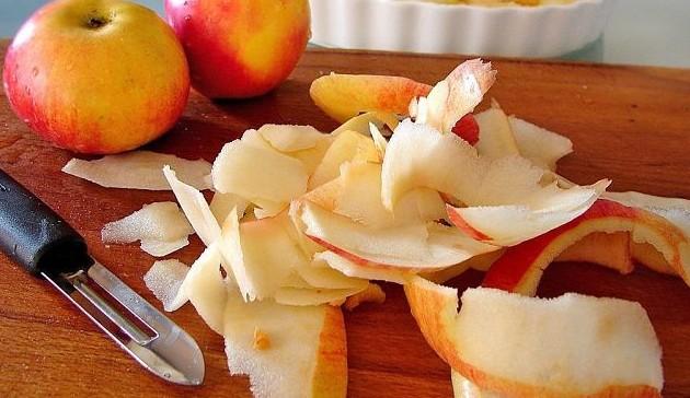 очищение фрукта от кожицы