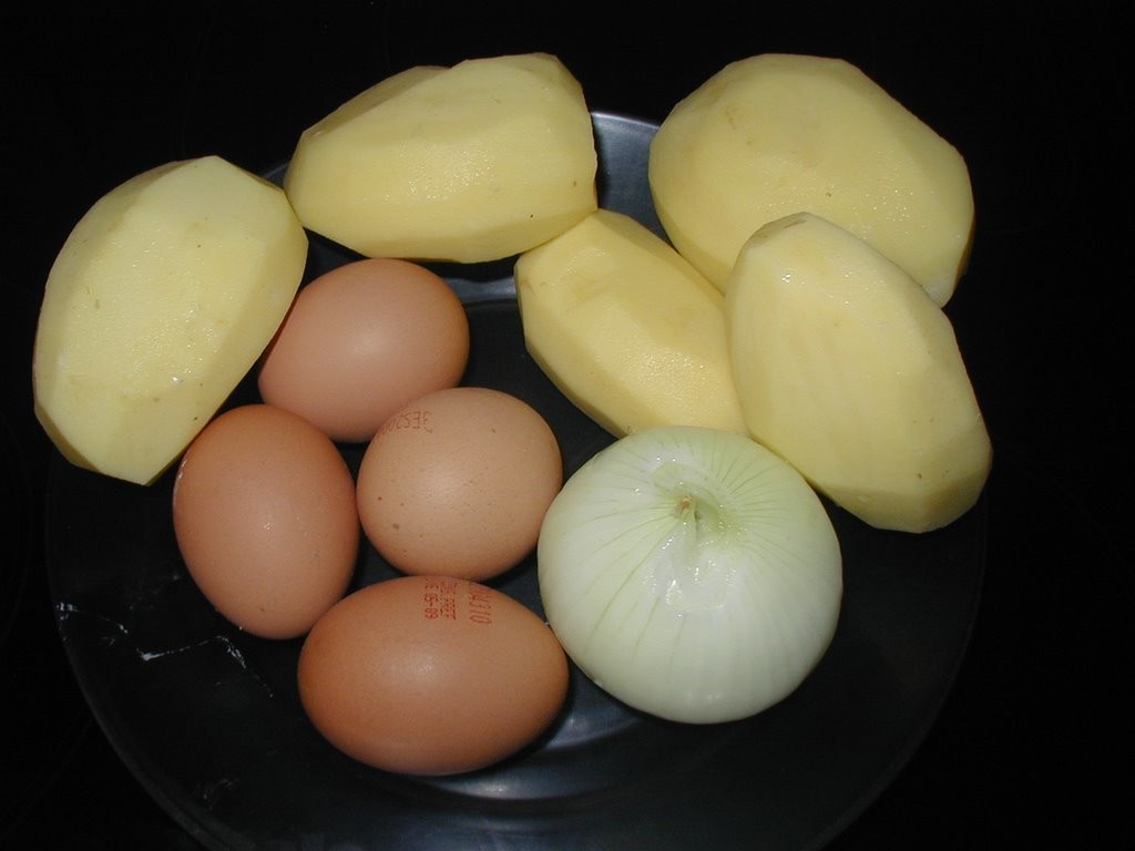 лук, картошка, яйца
