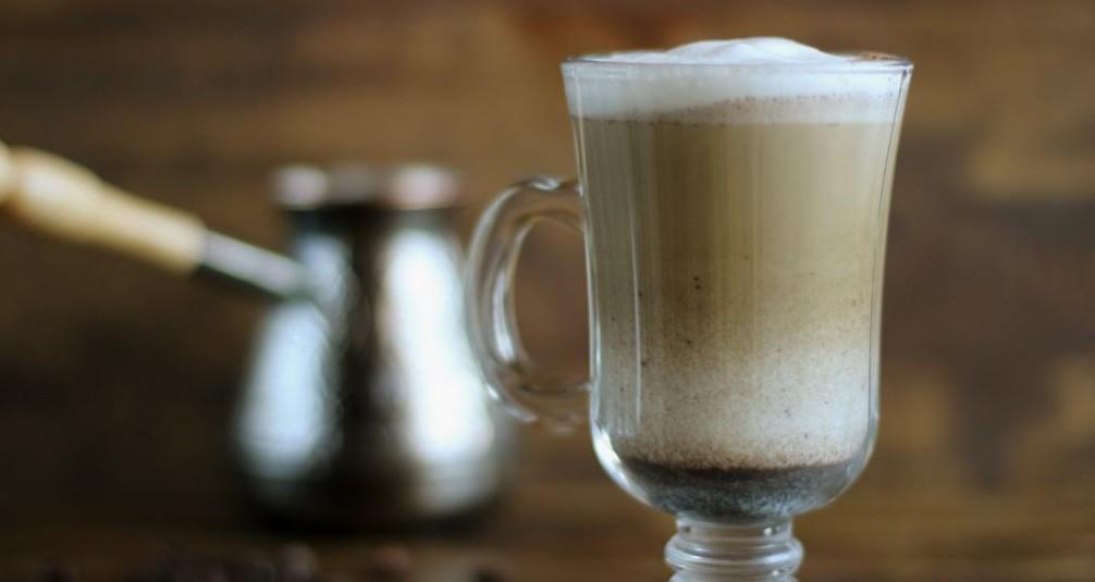 """готовый слоистый молочно-кофейный """"коктейль"""""""