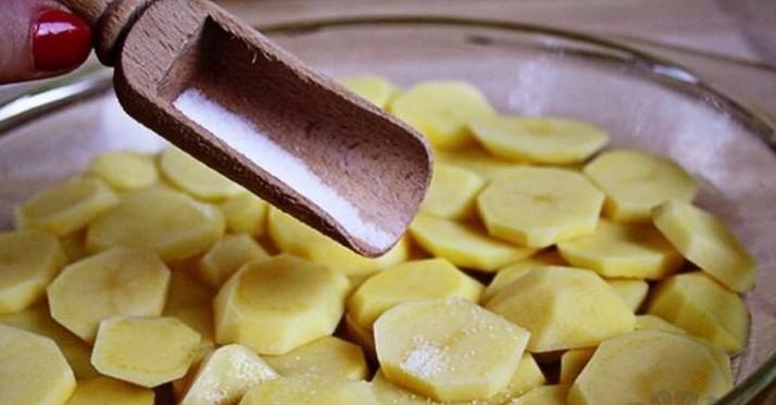 картофель порезанный кружочками