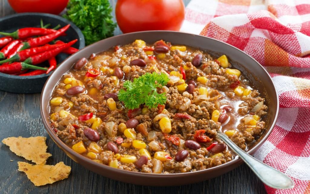 мясное блюдо с фасолевыми бобами