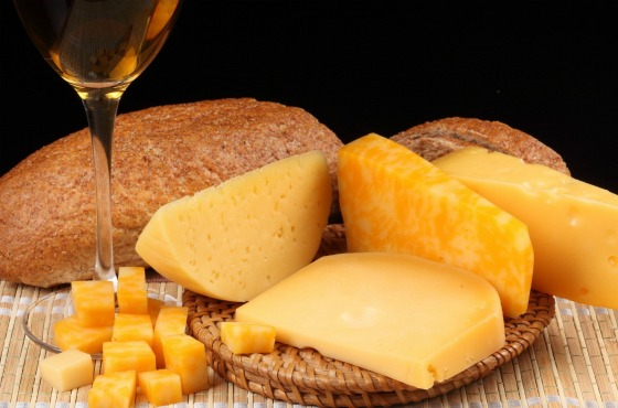 сыр, хлеб и мёд
