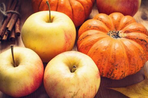 Яблоки и тыква