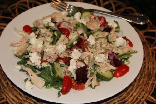 Мясной вариант греческого салата